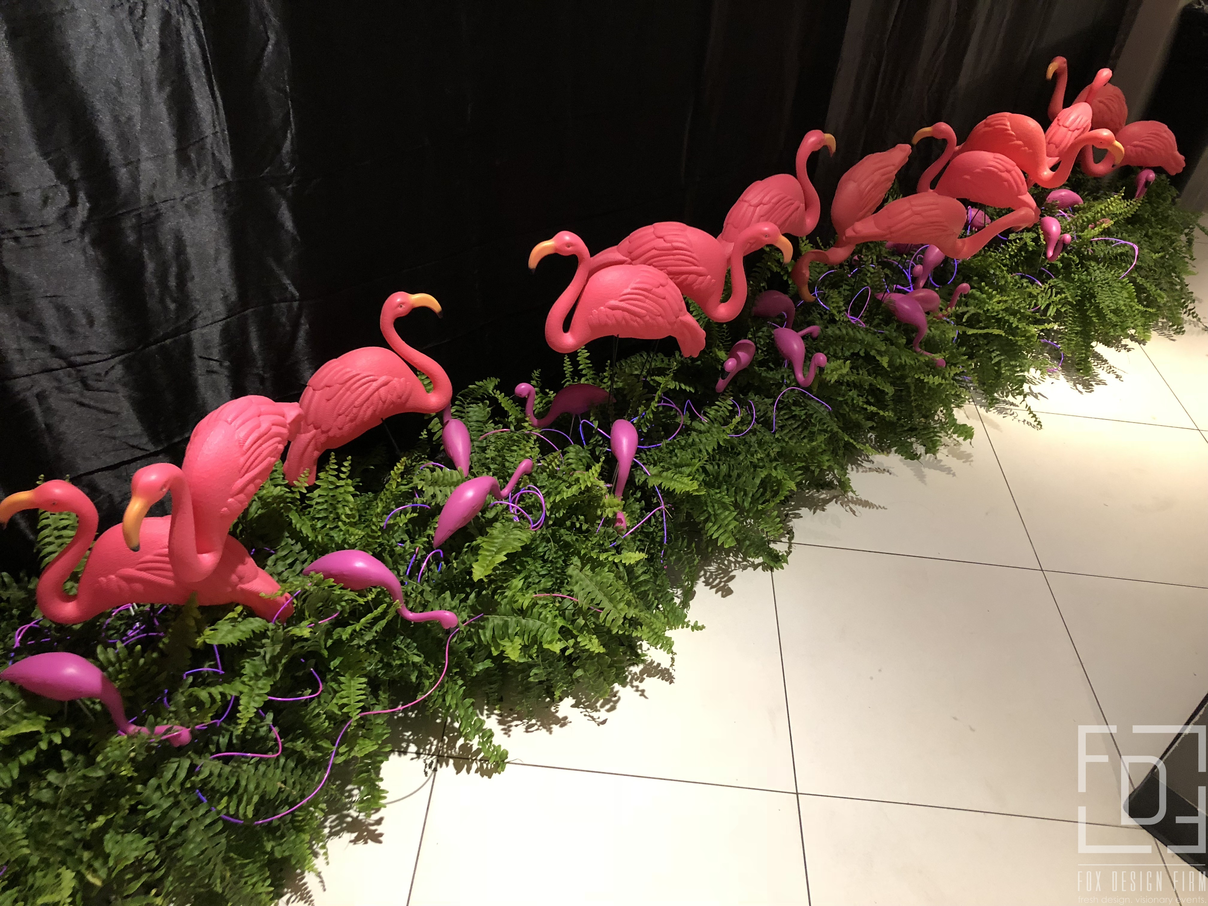 flamingo entrance decor to bathroom